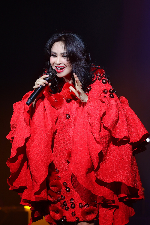 Thanh Lam hồn nhiên 'show ân ái', tỏ tình bạn trai trên sân khấu liveshow:'Em mang tình anh đến trọn đời' Ảnh 2