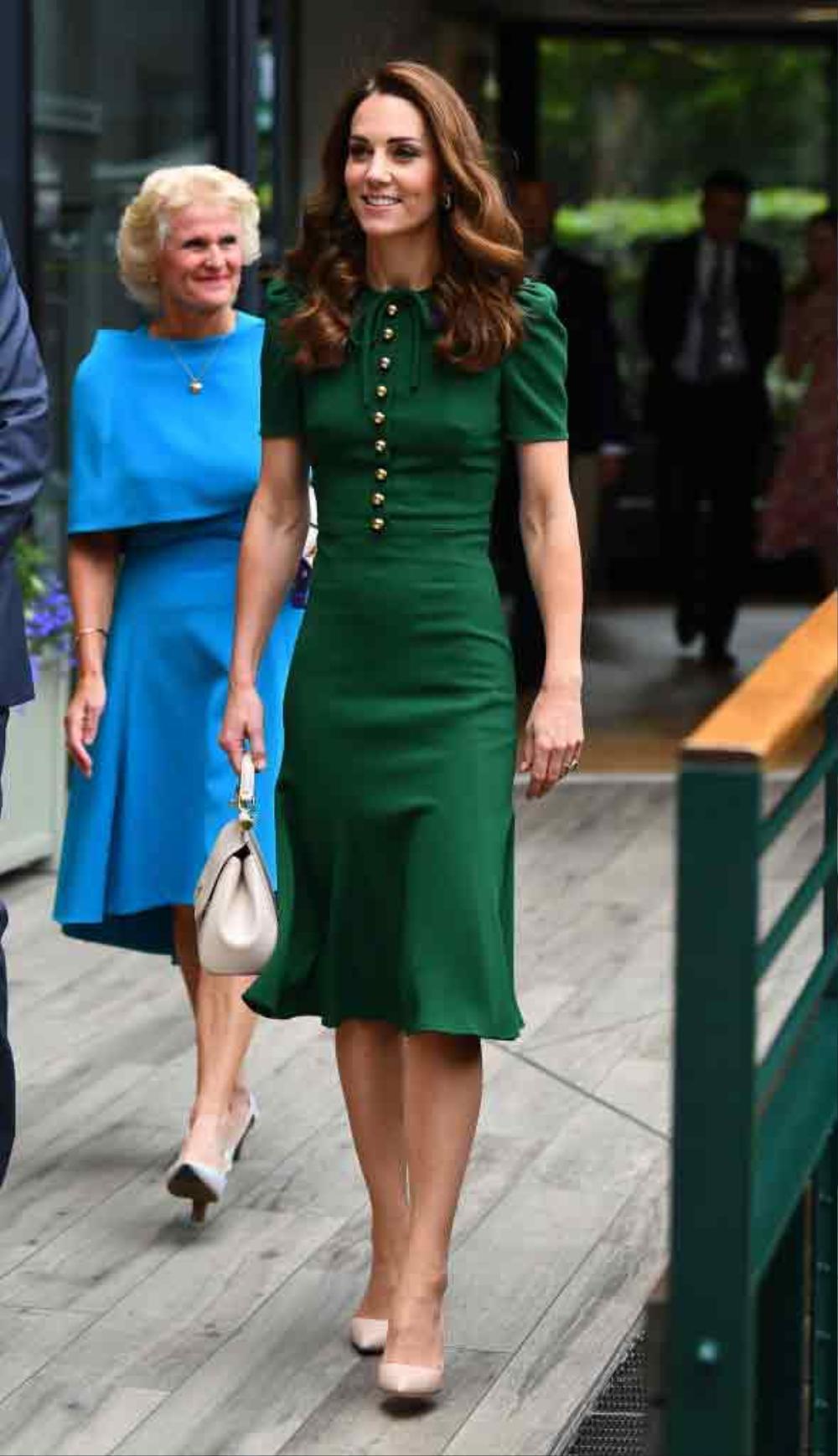 Bí ẩn tủ đồ Hoàng gia: Tại sao Kate Middleton thích mặc màu xanh lá cây? Ảnh 14
