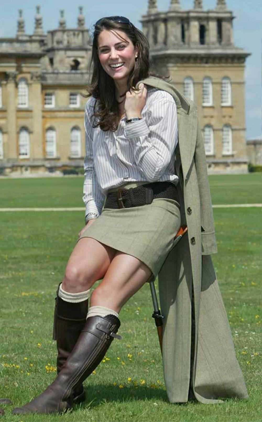 Bí ẩn tủ đồ Hoàng gia: Tại sao Kate Middleton thích mặc màu xanh lá cây? Ảnh 12