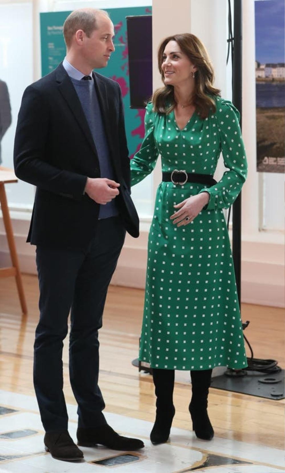 Bí ẩn tủ đồ Hoàng gia: Tại sao Kate Middleton thích mặc màu xanh lá cây? Ảnh 9