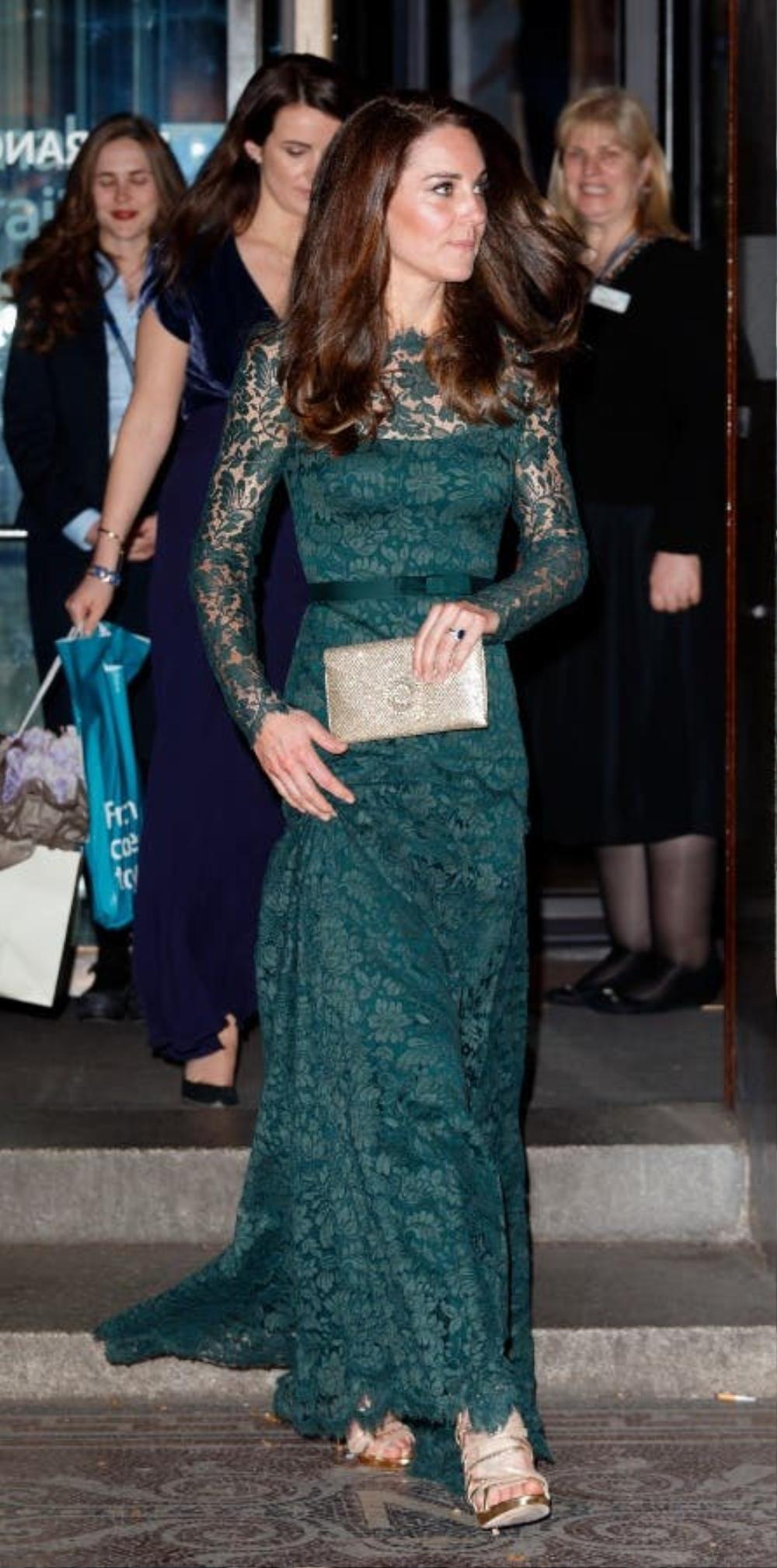 Bí ẩn tủ đồ Hoàng gia: Tại sao Kate Middleton thích mặc màu xanh lá cây? Ảnh 5