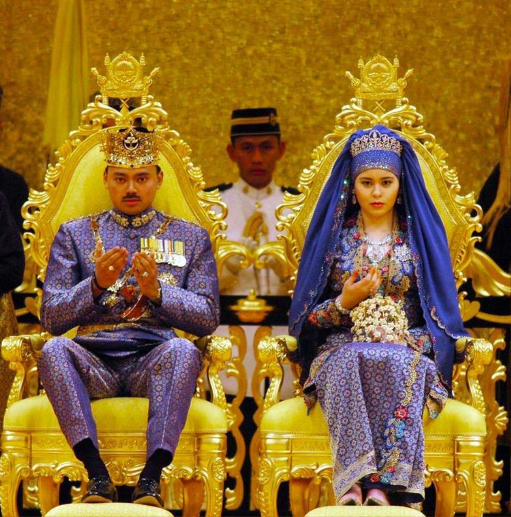 Bí ẩn tủ đồ Hoàng gia: 13 chiếc váy cưới Hoàng gia mang tính biểu tượng thế kỷ Ảnh 6
