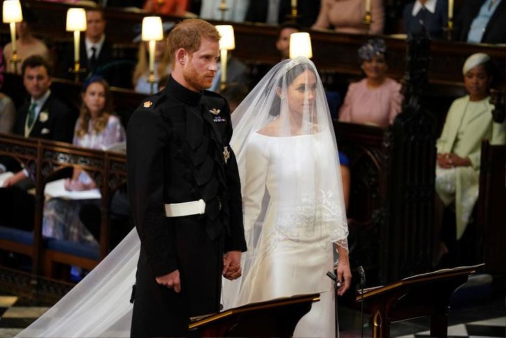 Bí ẩn tủ đồ Hoàng gia: 13 chiếc váy cưới Hoàng gia mang tính biểu tượng thế kỷ Ảnh 13