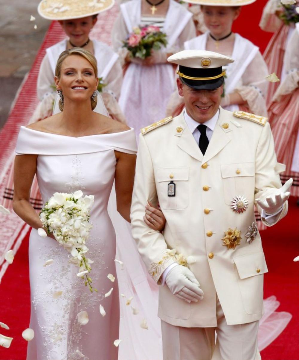 Bí ẩn tủ đồ Hoàng gia: 13 chiếc váy cưới Hoàng gia mang tính biểu tượng thế kỷ Ảnh 11