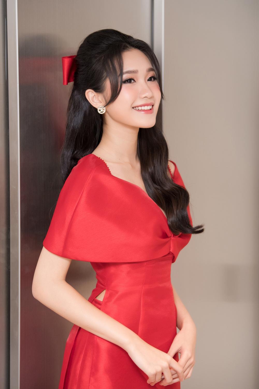 Top 10 Hoa hậu Việt Nam 2020 - Doãn Hải My diện áo dài đỏ chiếm spotlight, nhan sắc rạng rỡ Ảnh 6
