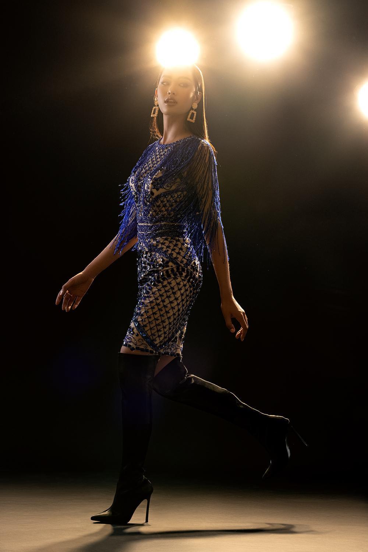 Váy dạ hội tua rua tôn thờ vẻ đẹp kiêu sa lộng lẫy cho nữ hoàng đêm tiệc Ảnh 5