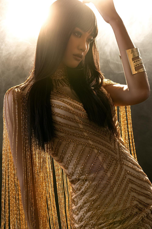 Váy dạ hội tua rua tôn thờ vẻ đẹp kiêu sa lộng lẫy cho nữ hoàng đêm tiệc Ảnh 9