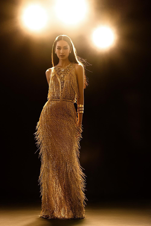 Váy dạ hội tua rua tôn thờ vẻ đẹp kiêu sa lộng lẫy cho nữ hoàng đêm tiệc Ảnh 13