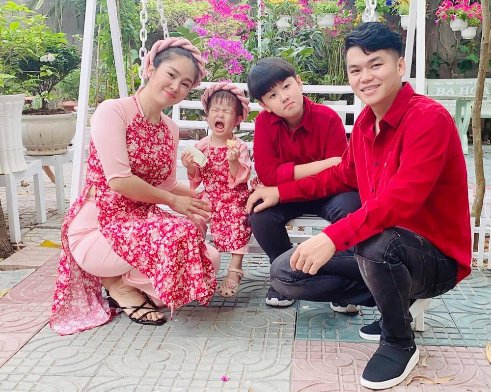 Lê Phương 'mượn' con gái để bày tỏ nỗi nhớ chồng khiến fan cũng lịm tim theo Ảnh 7