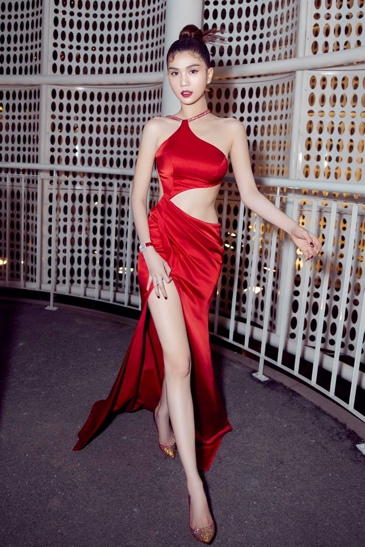 Ngọc Trinh: Hành trình từ Siêu mẫu Việt Nam đến nữ hoàng nội y 'bất bại' Ảnh 20