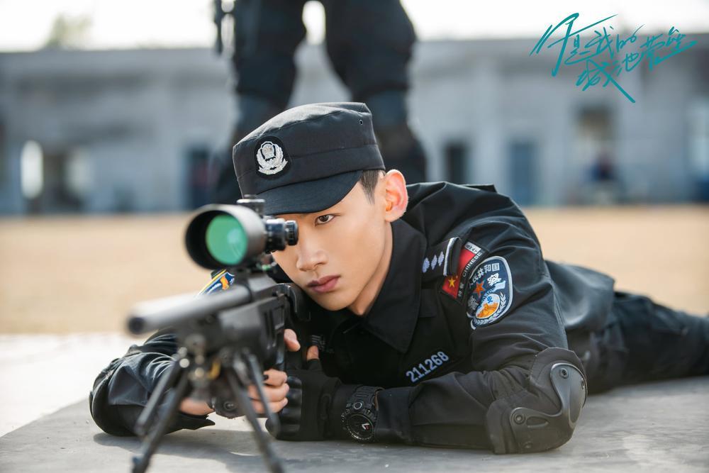 Top 10 sao Hoa Ngữ có phim đang chiếu hot nhất: Cung Tuấn chỉ thứ 2, top 1 mới thực sự cuốn hút Ảnh 18