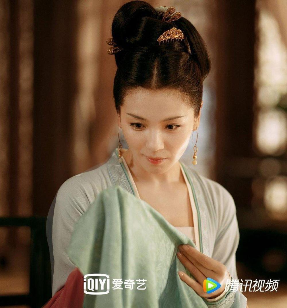 Top 10 sao Hoa Ngữ có phim đang chiếu hot nhất: Cung Tuấn chỉ thứ 2, top 1 mới thực sự cuốn hút Ảnh 8