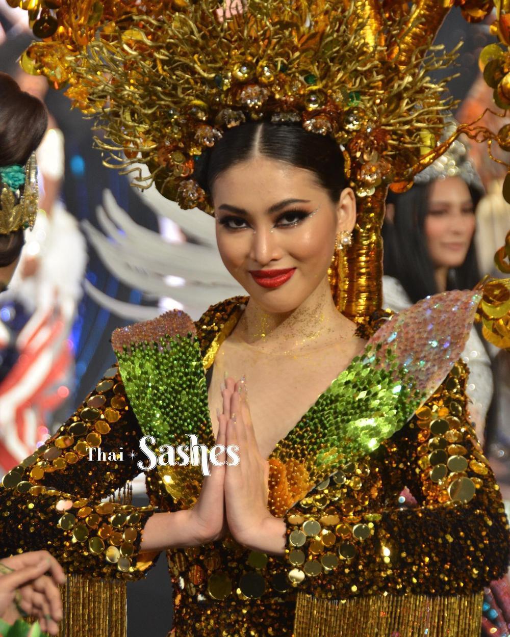 Ngọc Thảo xếp hạng 2 tổng bình chọn tiến thẳng Top 10, BGK 'cứu' luôn vào Top 5 Best National Costume Ảnh 4