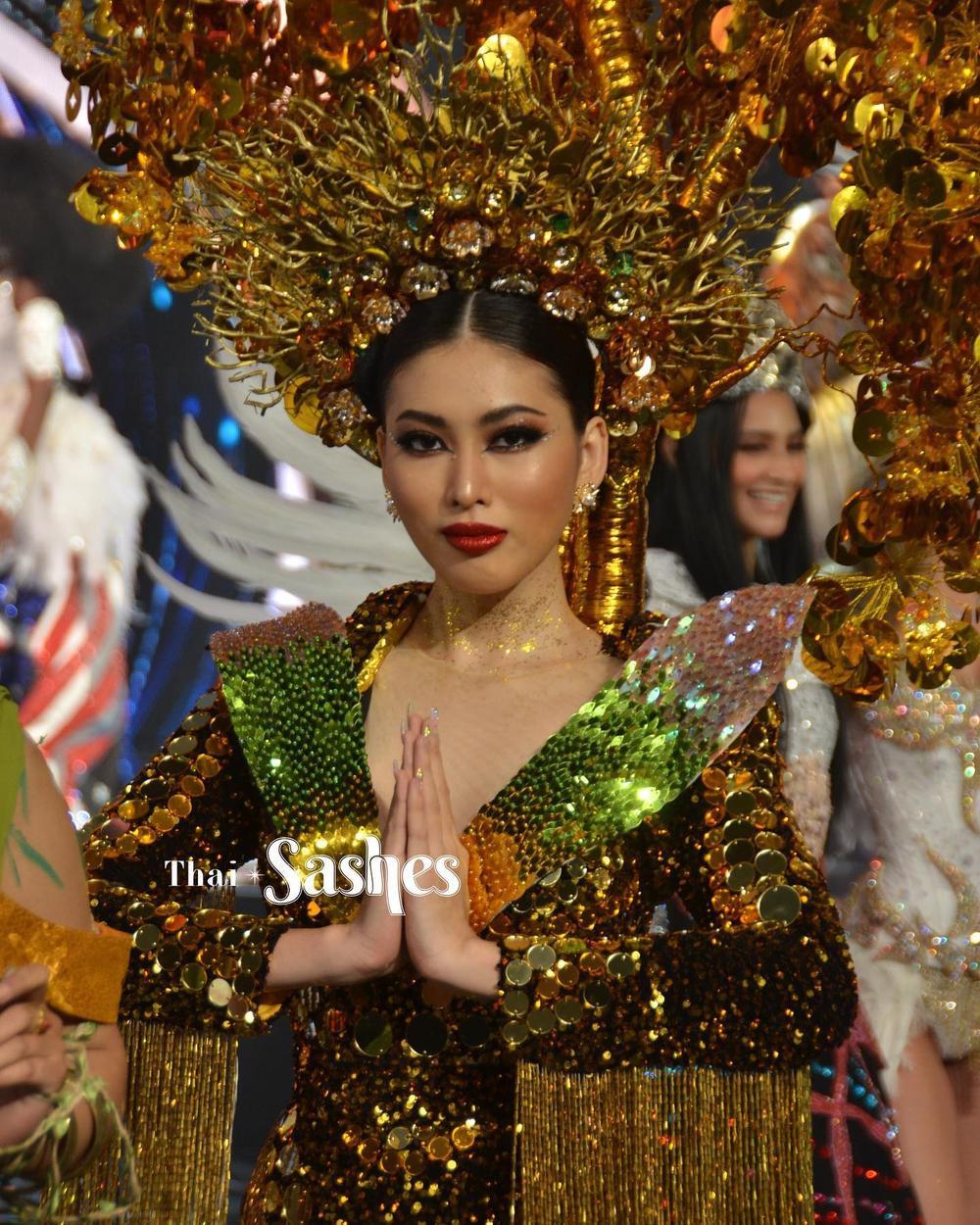 Ngọc Thảo xếp hạng 2 tổng bình chọn tiến thẳng Top 10, BGK 'cứu' luôn vào Top 5 Best National Costume Ảnh 3