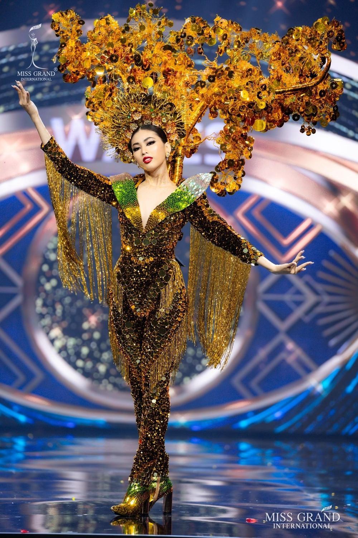 Ngọc Thảo xếp hạng 2 tổng bình chọn tiến thẳng Top 10, BGK 'cứu' luôn vào Top 5 Best National Costume Ảnh 2