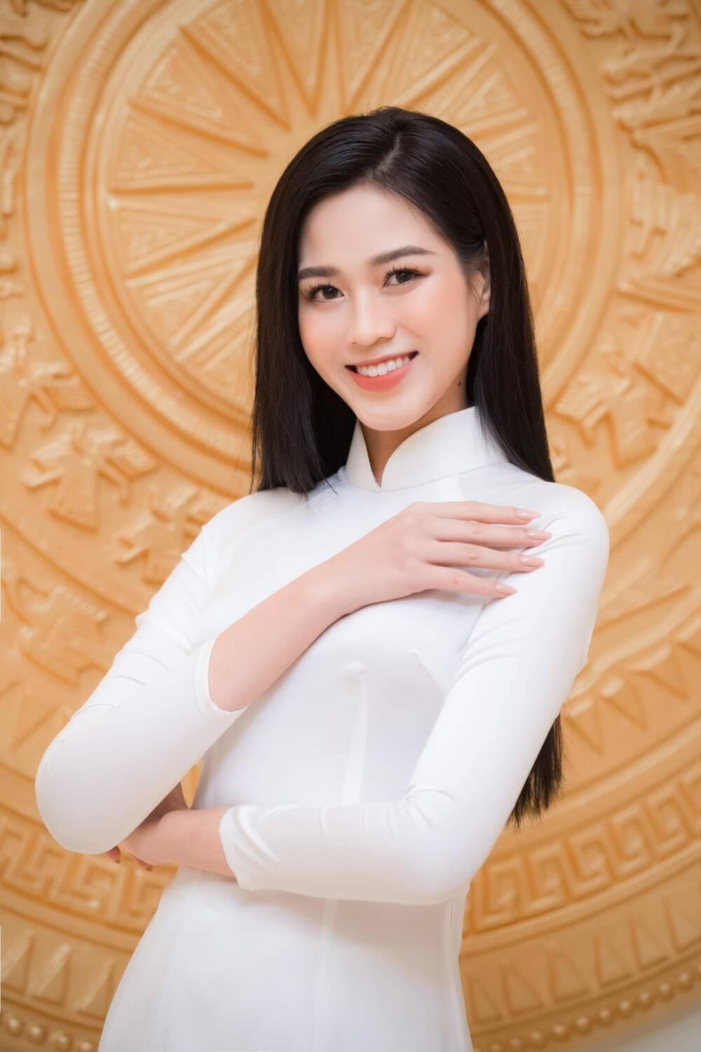 Từng bị chê tơi tả vì kém sắc, hoa hậu Đỗ Thị Hà lấy lại phong độ: Đơn giản mà lại xinh ngút ngàn! Ảnh 8