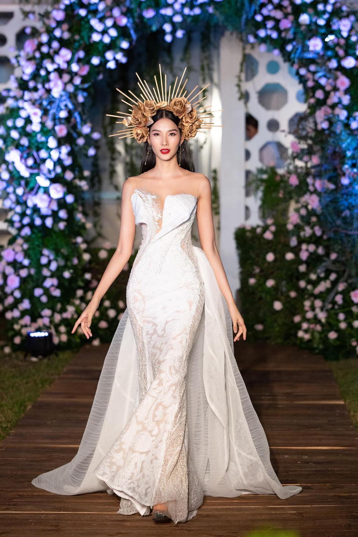 Hoàng Thùy bất ngờ ủng hộ Miss Universe Vietnam trao 2 vương miện cho 2 hoa hậu? Ảnh 5