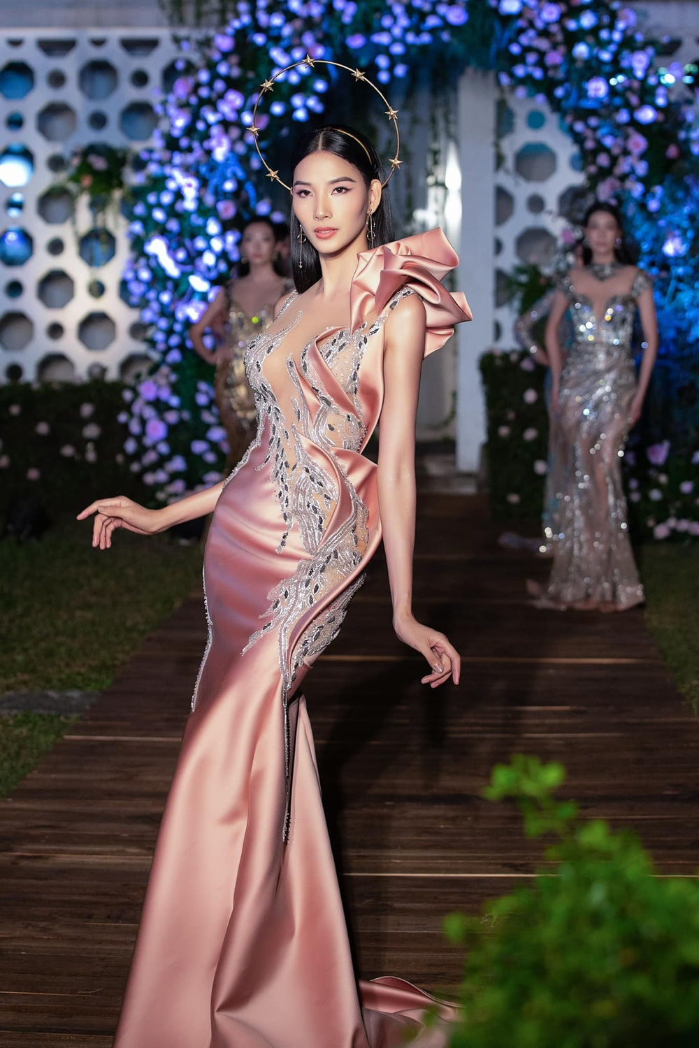 Hoàng Thùy bất ngờ ủng hộ Miss Universe Vietnam trao 2 vương miện cho 2 hoa hậu? Ảnh 6