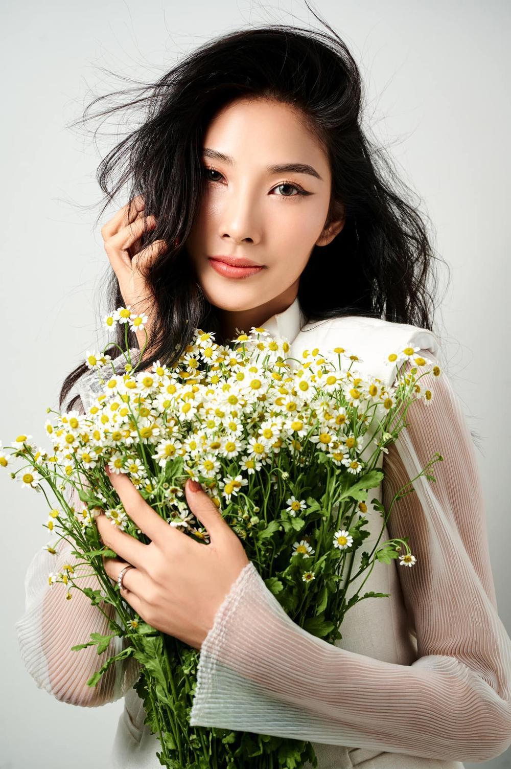 Hoàng Thùy bất ngờ ủng hộ Miss Universe Vietnam trao 2 vương miện cho 2 hoa hậu? Ảnh 2