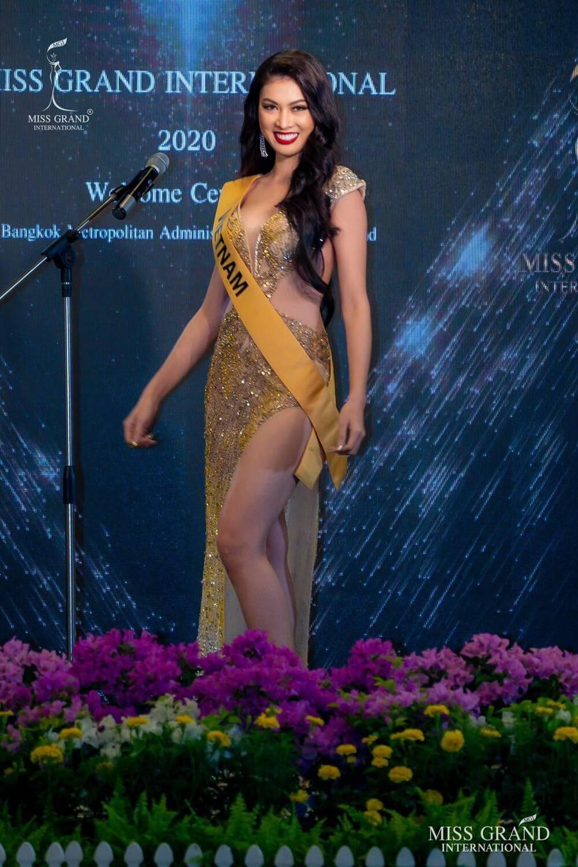7 bộ váy dạ hội đẹp tinh xảo mà Ngọc Thảo không có cơ hội trình diễn tại Miss Grand International Ảnh 4
