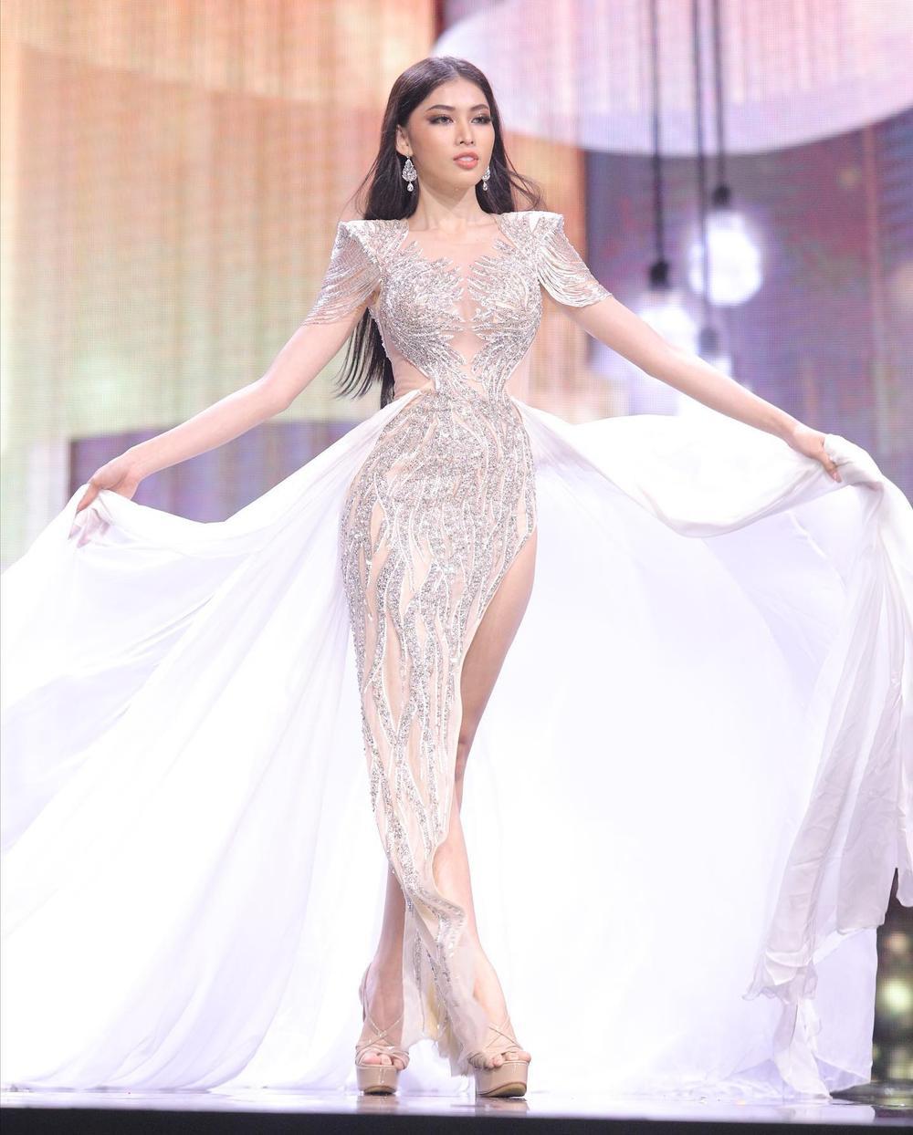 7 bộ váy dạ hội đẹp tinh xảo mà Ngọc Thảo không có cơ hội trình diễn tại Miss Grand International Ảnh 7