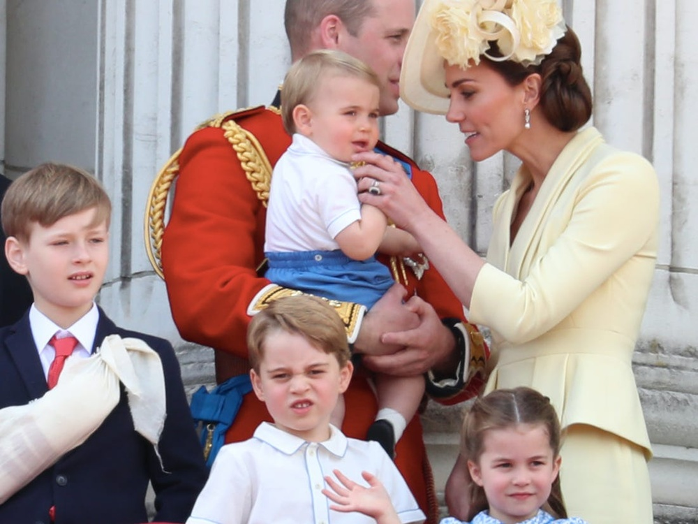 Kate Middleton bật chế độ 'gà mẹ' bảo vệ 3 người con khỏi drama của Hary - Meghan Ảnh 1