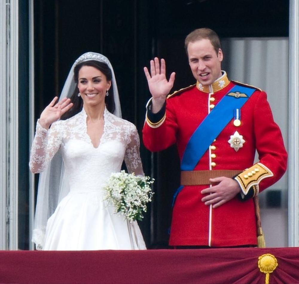 11 lần Nữ hoàng Elizabeth phá vỡ nguyên tắc Hoàng gia Ảnh 6