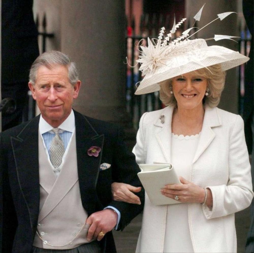 11 lần Nữ hoàng Elizabeth phá vỡ nguyên tắc Hoàng gia Ảnh 10
