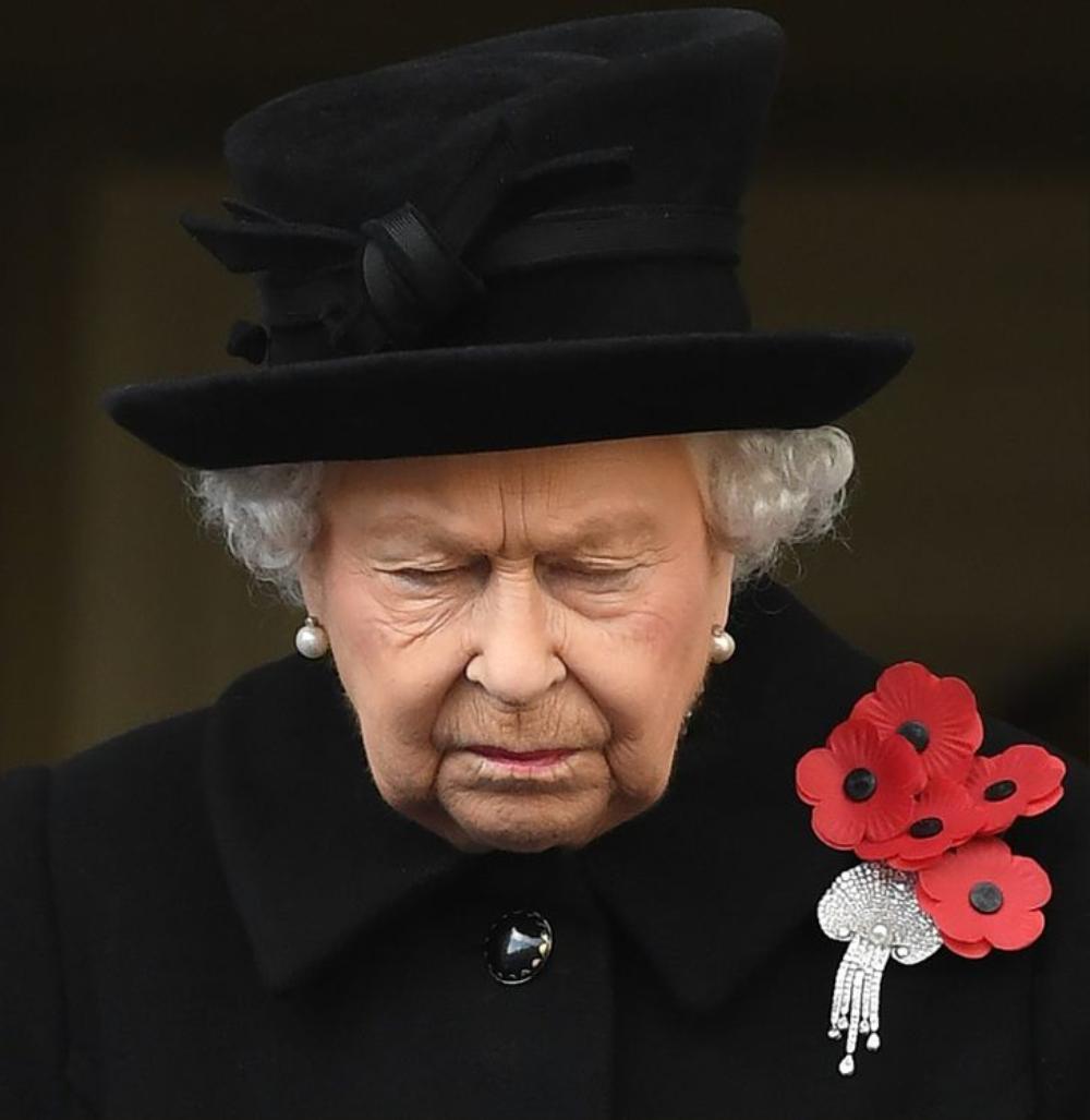 11 lần Nữ hoàng Elizabeth phá vỡ nguyên tắc Hoàng gia Ảnh 7