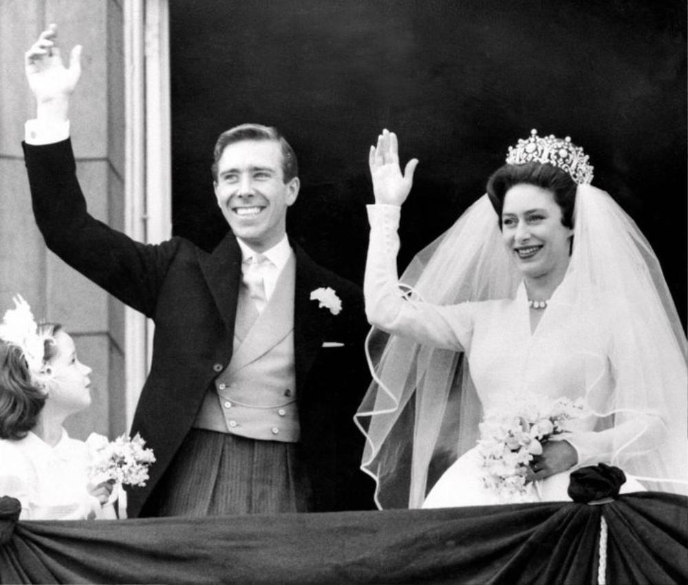 11 lần Nữ hoàng Elizabeth phá vỡ nguyên tắc Hoàng gia Ảnh 8