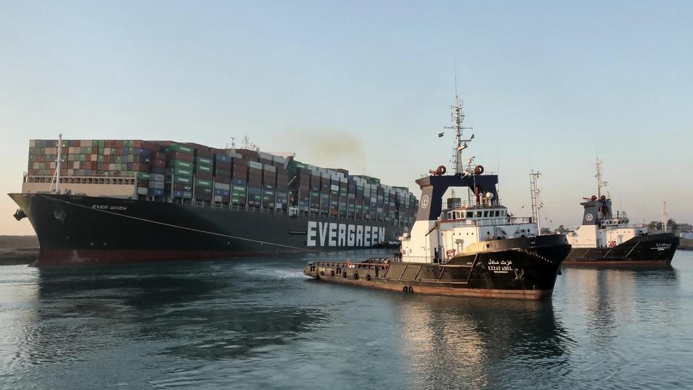 'Siêu Trăng Giun' góp phần giải cứu tàu Ever Given mắc cạn ở kênh đào Suez Ảnh 3