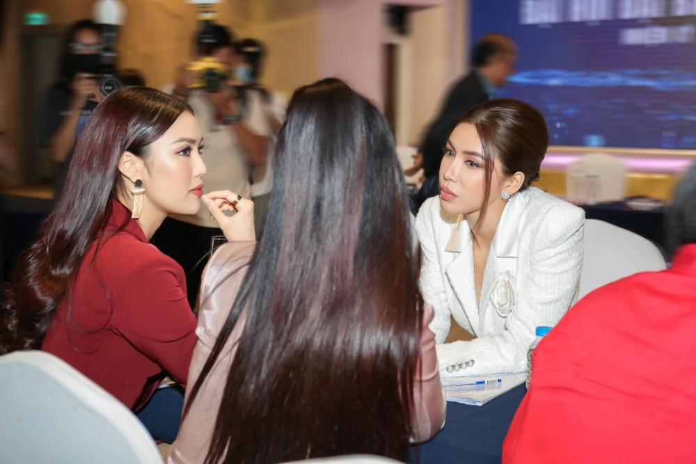 Lan Khuê - Minh Tú đối đầu phong cách tại Đại hội Hội người mẫu Việt Nam: Đẳng cấp Siêu mẫu là đây! Ảnh 10