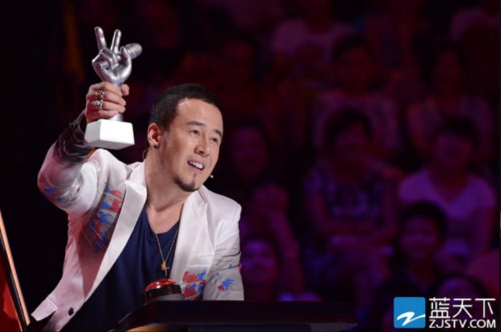 Giám khảo The Voice of China bị paparazzi 'tóm' khi qua lại với 3 người phụ nữ trong cùng một buổi tối Ảnh 4