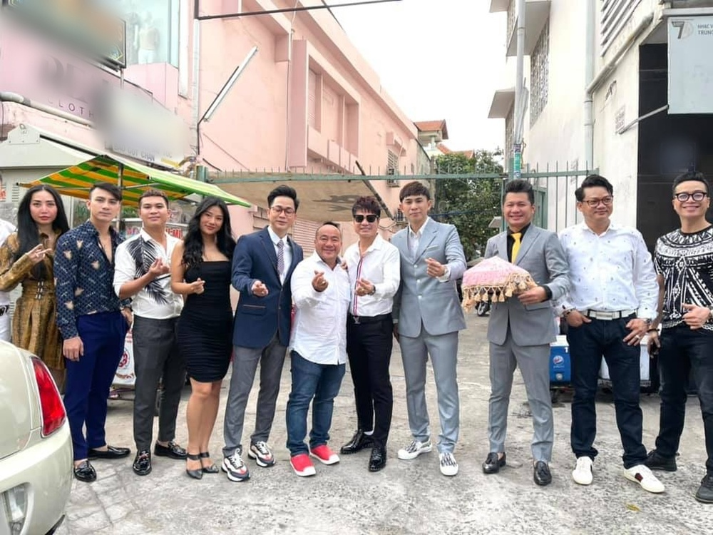 Châu Gia Kiệt bất ngờ tổ chức lễ ăn hỏi, dàn sao Việt 'đổ bộ' chúc mừng Ảnh 1