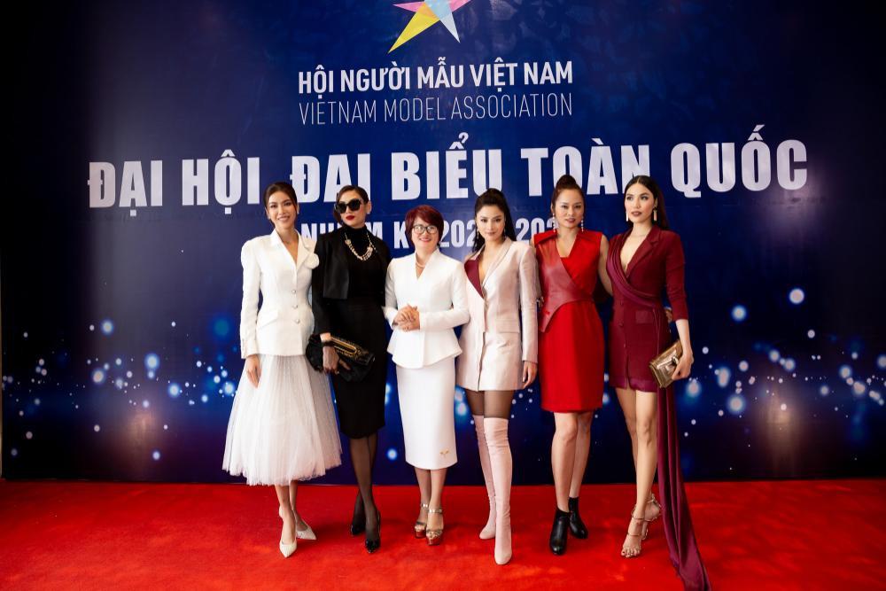 Siêu mẫu Vũ Thu Phương đảm nhận trọng trách của Đoàn chủ tịch Hội Người mẫu Việt Nam Ảnh 3