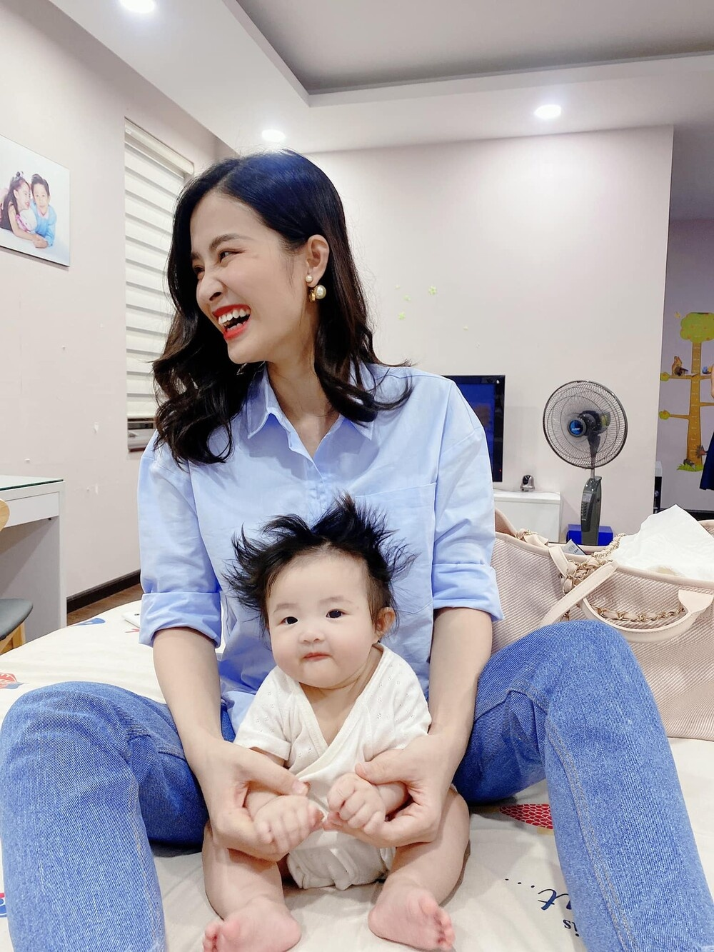 Đông Nhi tiết lộ bé Winnie thay đổi đáng kể chỉ sau 2 tháng, phản ứng cưng xỉu khi nghe mẹ hát Ảnh 10