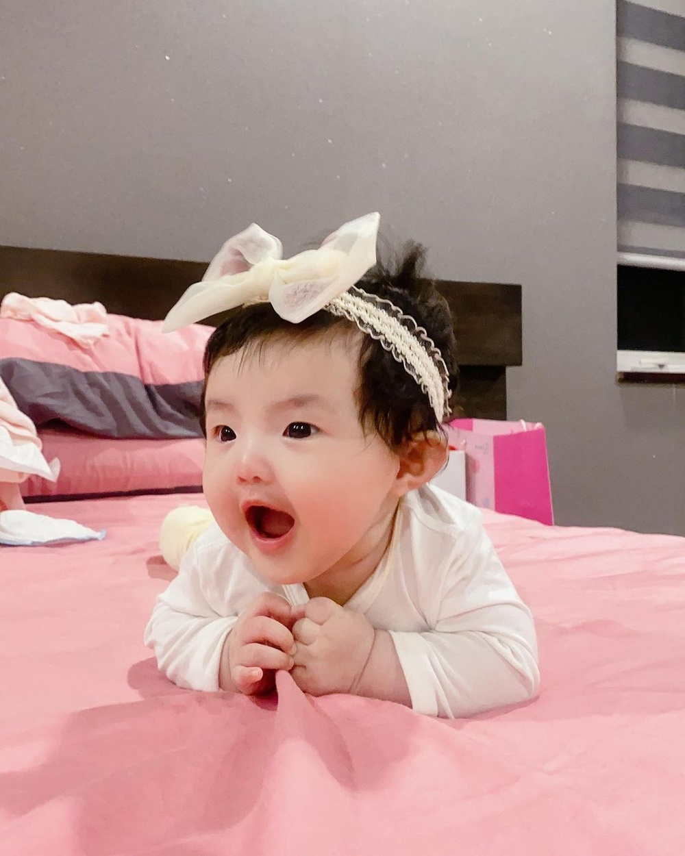 Đông Nhi tiết lộ bé Winnie thay đổi đáng kể chỉ sau 2 tháng, phản ứng cưng xỉu khi nghe mẹ hát Ảnh 8