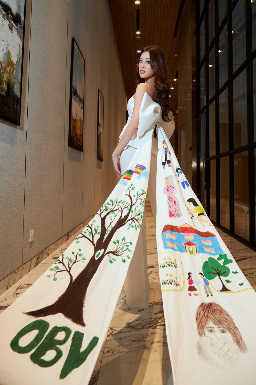 Ý nghĩa bộ vest đặc biệt Hoa hậu Khánh Vân mặc trong buổi phỏng vấn online với tổ chức Miss Universe Ảnh 5