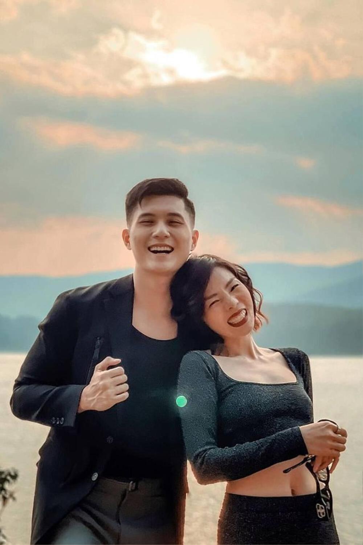 Lâm Bảo Châu công khai đăng ảnh thân mật mừng sinh nhật Lệ Quyên, tình tứ như vợ chồng son Ảnh 6