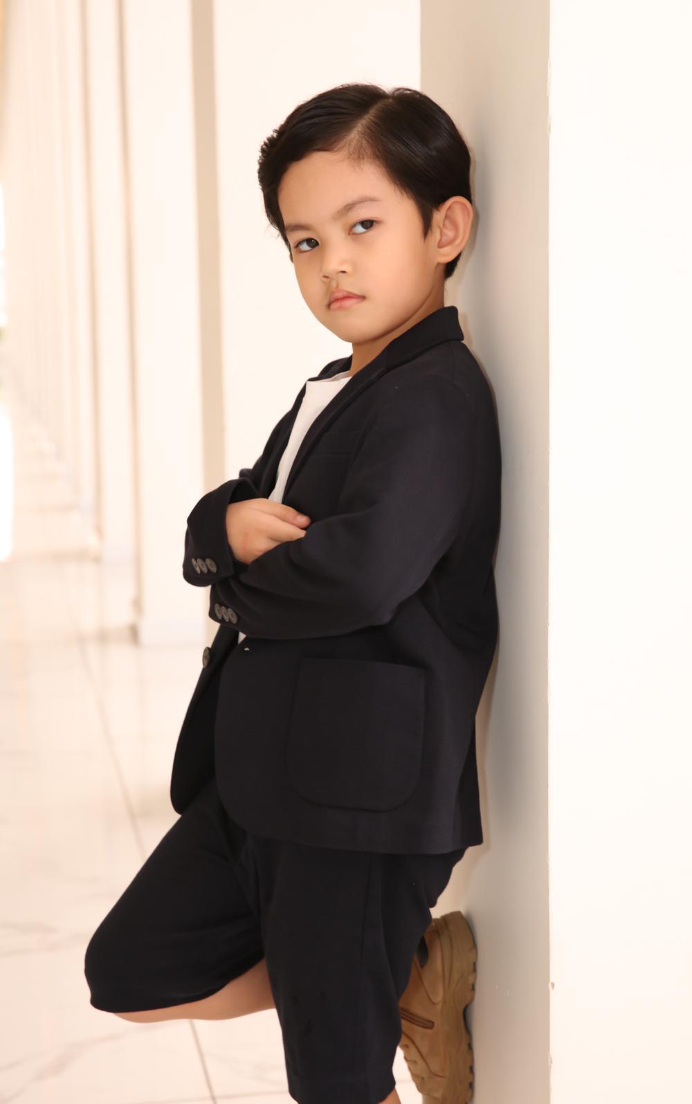 Con trai Khánh Thi - Phan Hiển bảnh bao theo bố mẹ đi sự kiện Ảnh 5