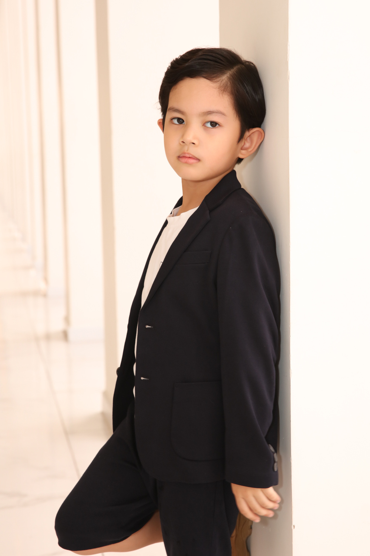 Con trai Khánh Thi - Phan Hiển bảnh bao theo bố mẹ đi sự kiện Ảnh 4