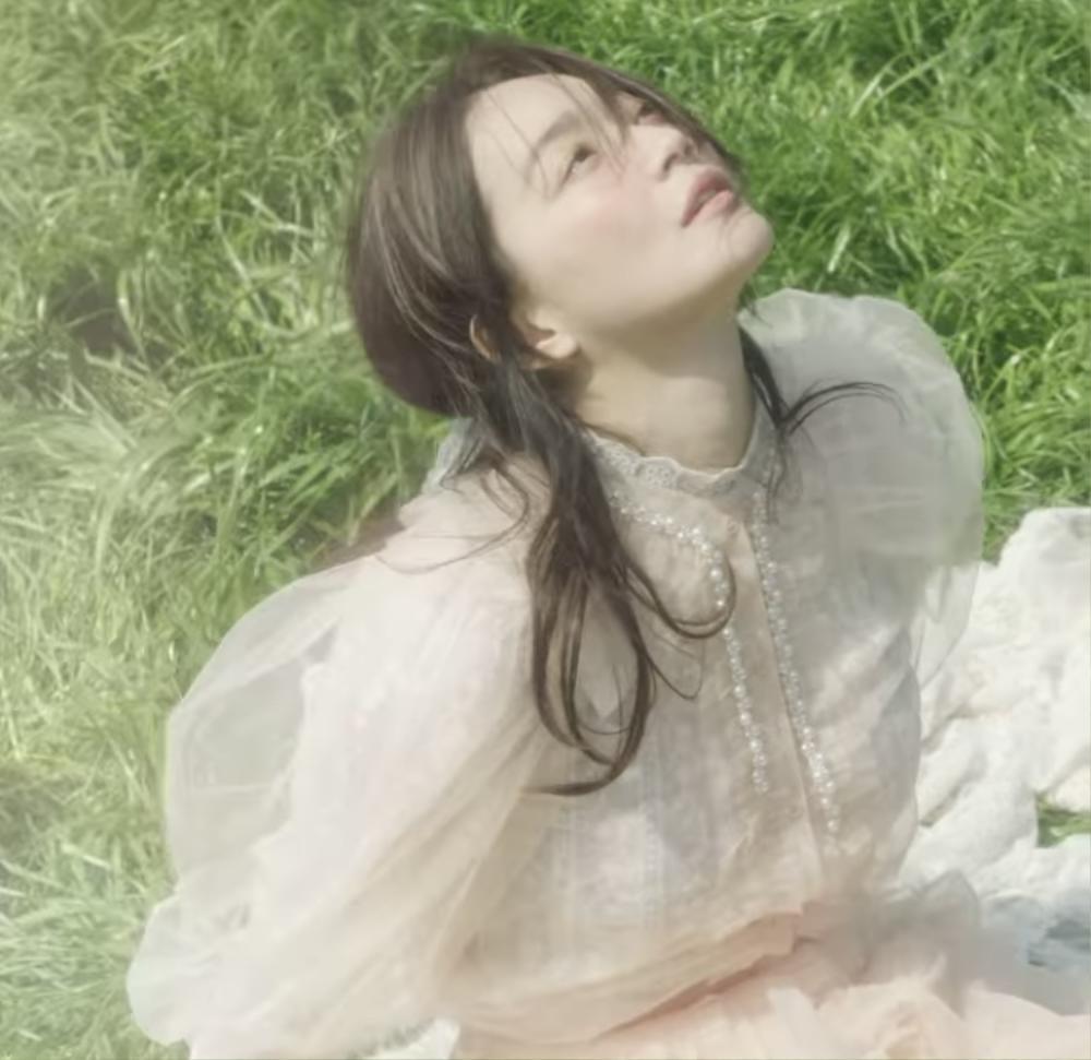 """Mở đầu """"Tháng Tư là lời nói dối của anh"""": Shin Min Ah xuất thần trong bộ ảnh cưới với Kim Woo Bin? Ảnh 7"""