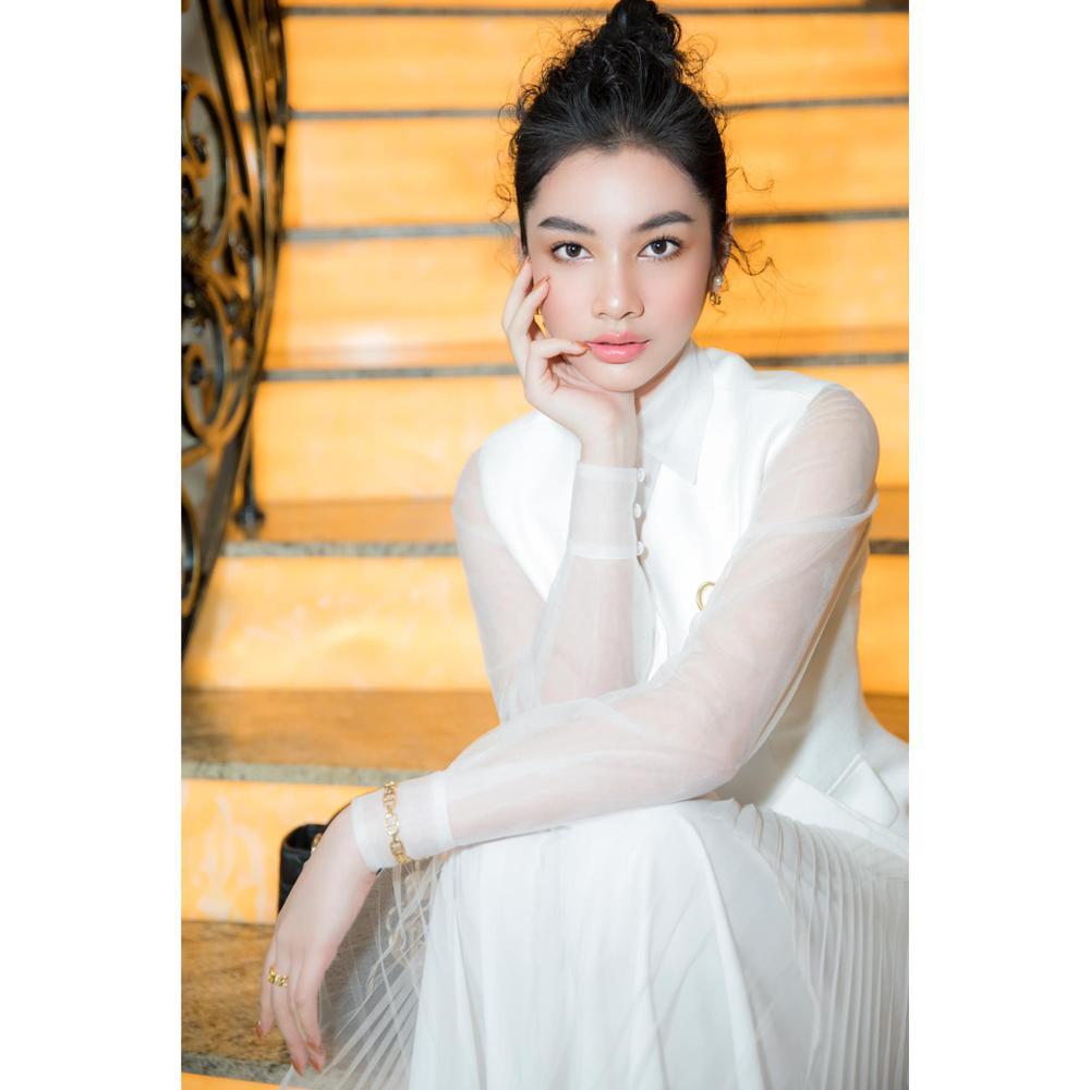 Cẩm Đan đẹp như thiên nha trắng muốt trên thảm đỏ Đại hội đại biểu Hội Người mẫu Việt Nam Ảnh 3