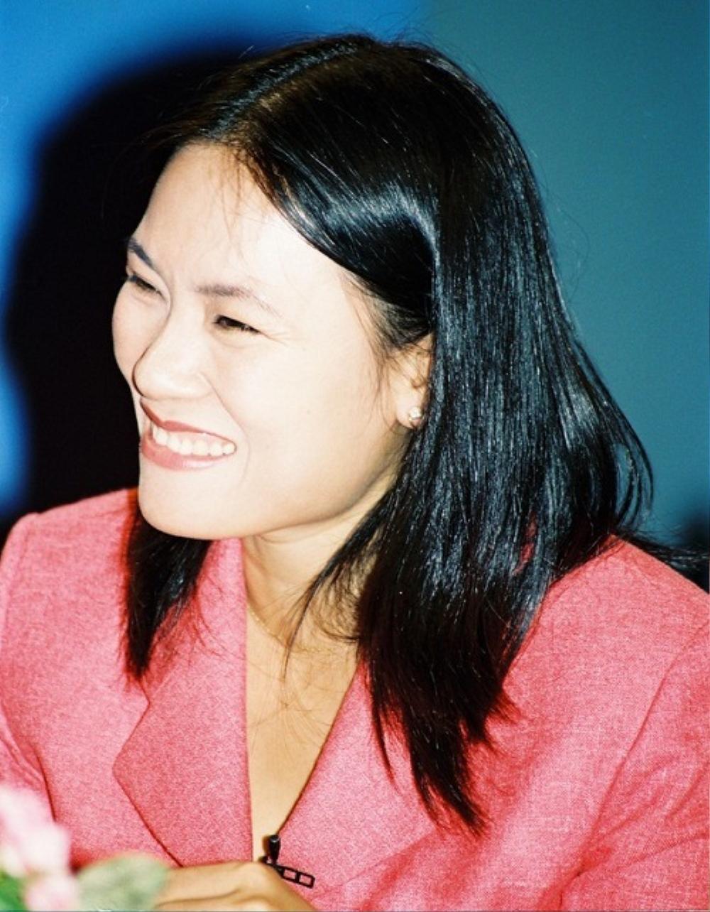 Nhà báo Tạ Bích Loan: 'Khán giả từng viết thư đòi đuổi tôi ra khỏi VTV3' Ảnh 1