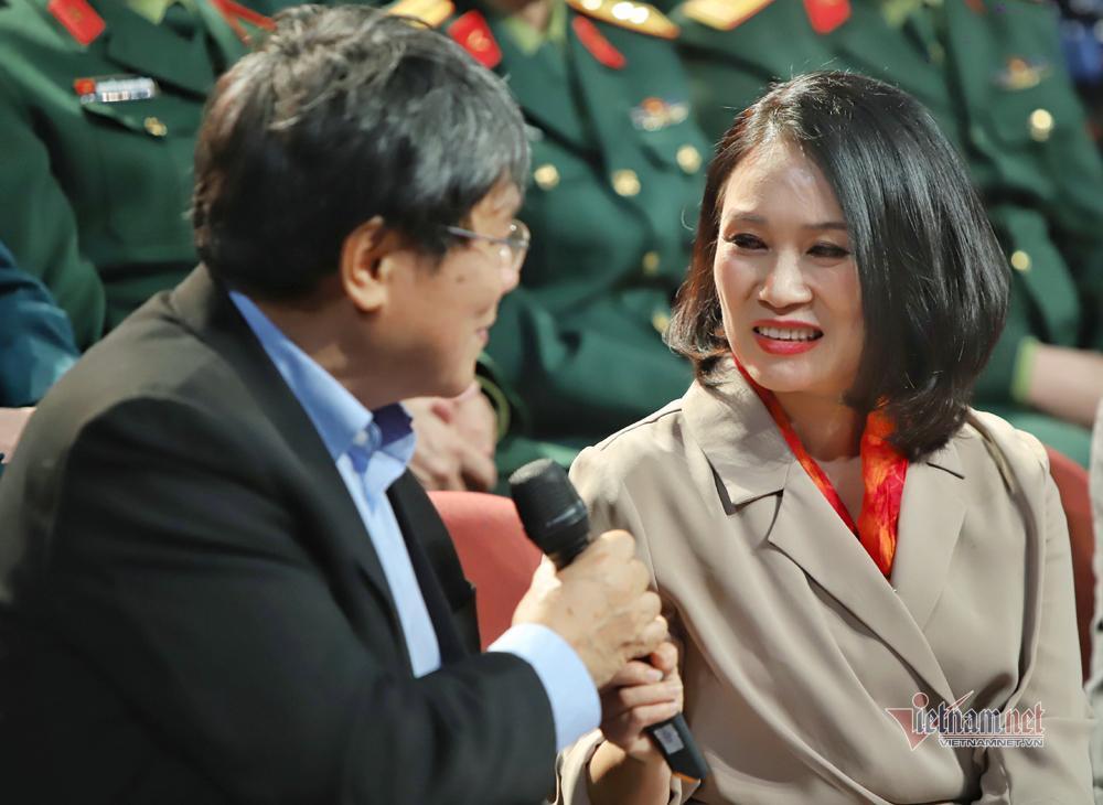 Nhà báo Tạ Bích Loan: 'Khán giả từng viết thư đòi đuổi tôi ra khỏi VTV3' Ảnh 3