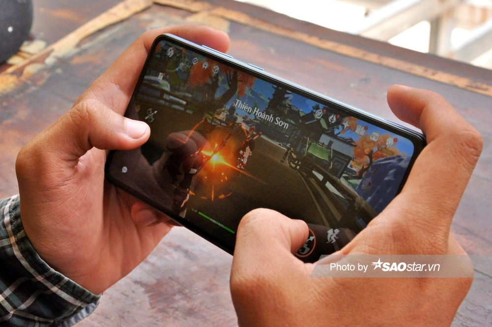 Đánh giá chi tiết Samsung Galaxy A72: Thiết kế mới mang đến trải nghiệm tinh tế! Ảnh 13