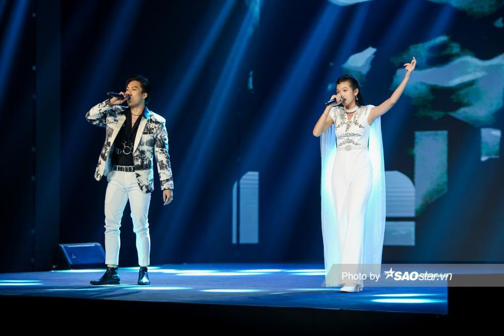 Kết hợp cùng Rapper Dablo, Tiểu Binh chinh phục khán giả bằng giọng hát nội lực, tiến bộ vượt bậc Ảnh 4