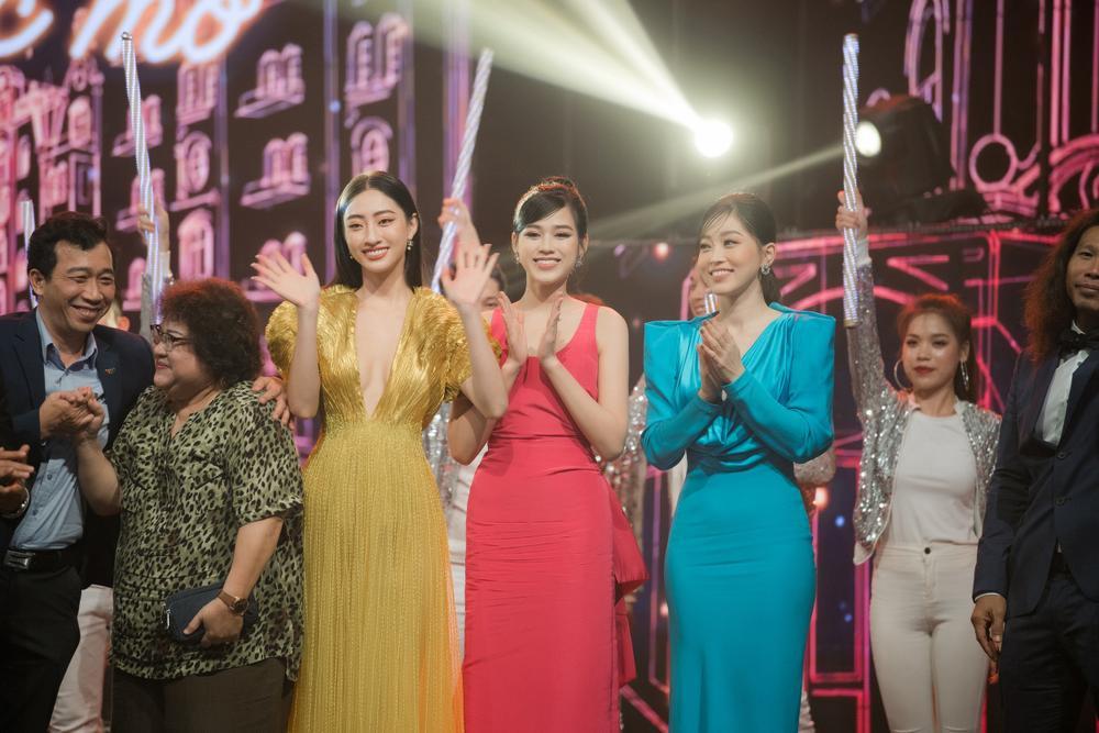 'Chiến binh Miss World' Đỗ Thị Hà rạng rỡ đọ sắc cùng đàn chị Phương Nga - Lương Thùy Linh Ảnh 14