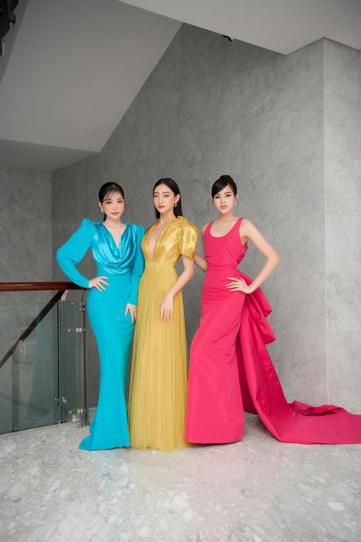 'Chiến binh Miss World' Đỗ Thị Hà rạng rỡ đọ sắc cùng đàn chị Phương Nga - Lương Thùy Linh Ảnh 1