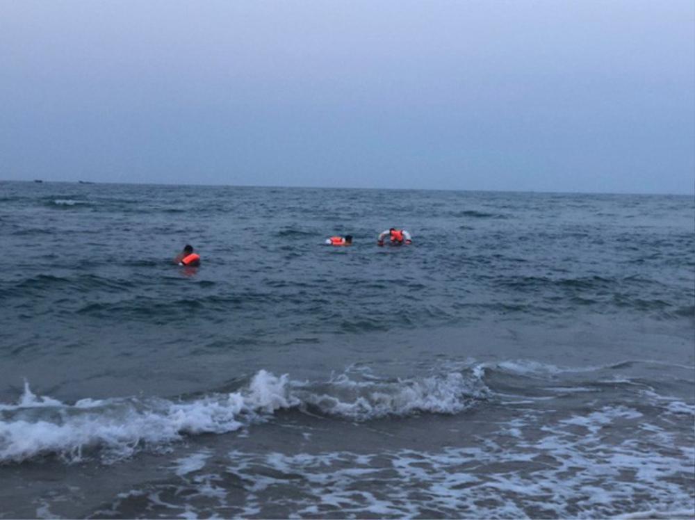 Đi tắm biển cùng bạn, nam sinh 16 tuổi đuối nước tử vong thương tâm Ảnh 1